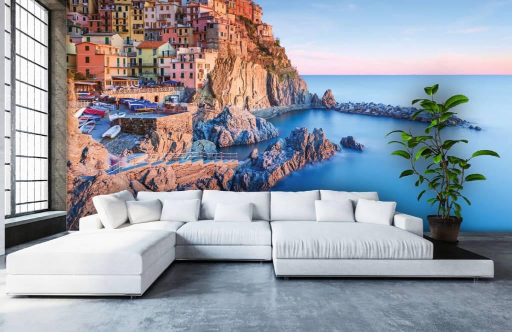 Cities wallpaper - Village on a rock in Italy - Bedroom 1