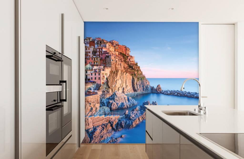 Cities wallpaper - Village on a rock in Italy - Bedroom 4