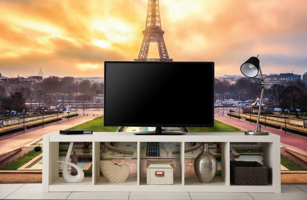 Cities wallpaper - Eiffel Tower - Bedroom 5