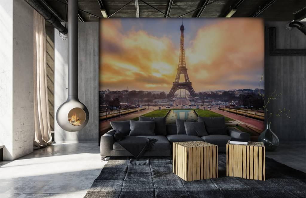 Cities wallpaper - Eiffel Tower - Bedroom 7