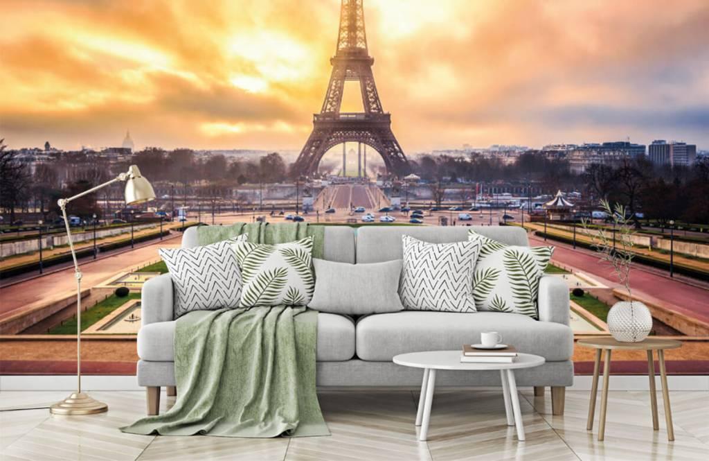 Cities wallpaper - Eiffel Tower - Bedroom 8