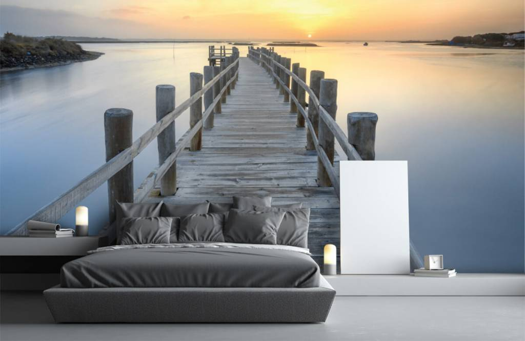 Lakes and Waters - Wooden scaffolding at sunset - Living room 3
