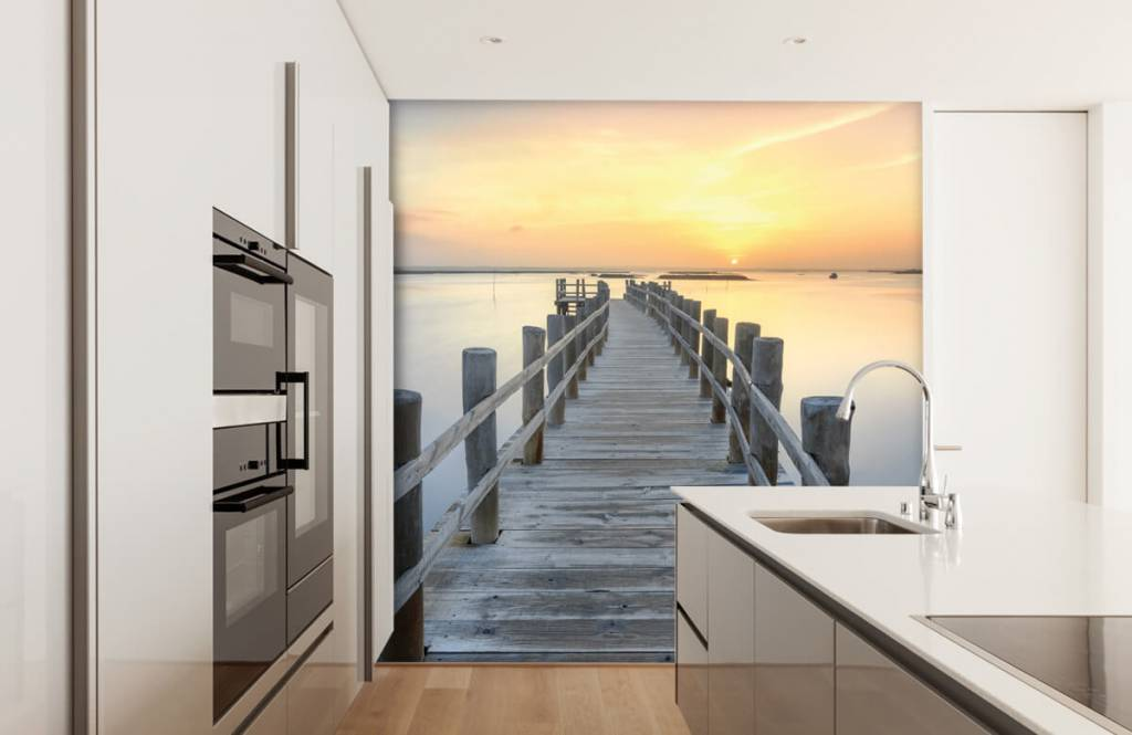 Lakes and Waters - Wooden scaffolding at sunset - Living room 4