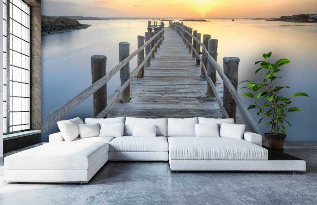 Lakes and Waters - Wooden scaffolding at sunset - Living room 6