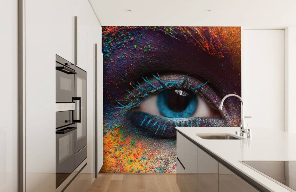 Portets and faces - Colorful eye - Hallway 4