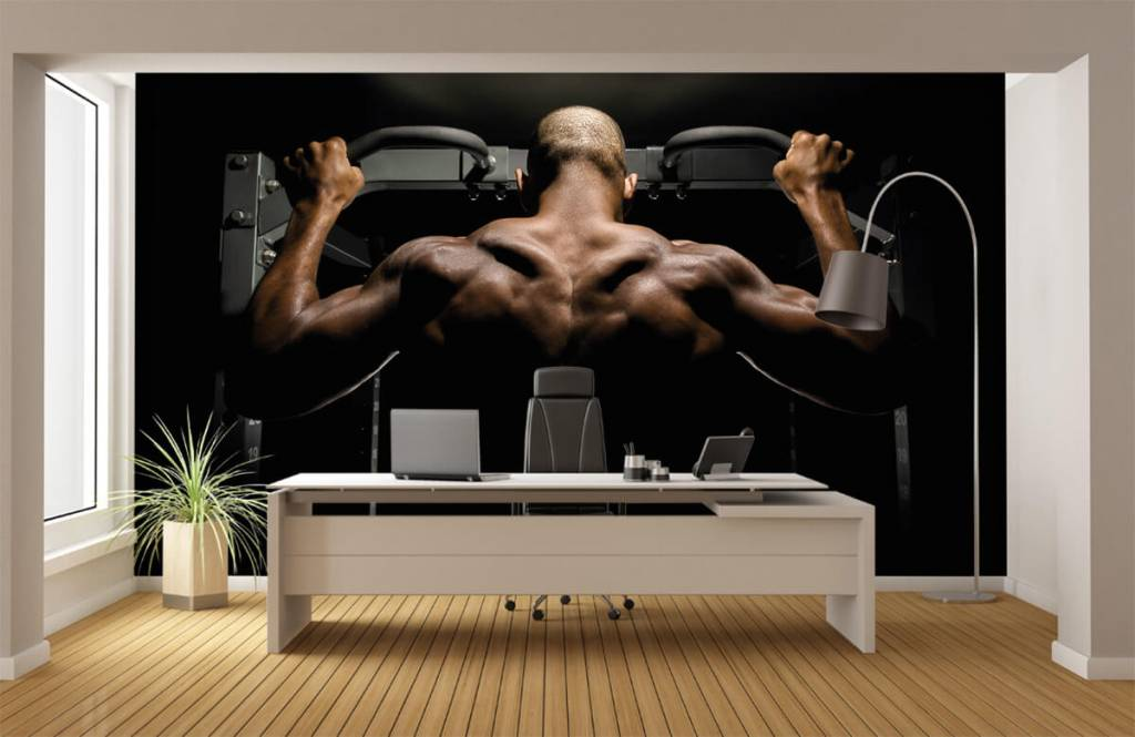 Fitness - Man with a muscular back - Garage 4