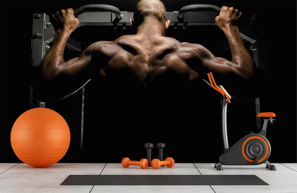 Fitness - Man with a muscular back - Garage 8