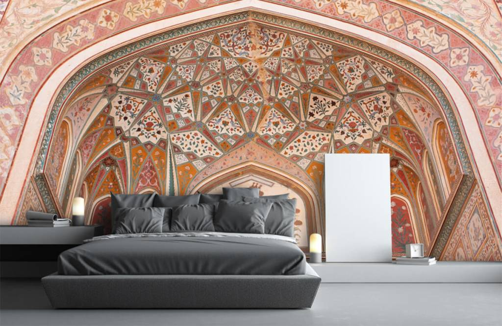 Monuments - Richly painted Indian arch - Bedroom 2