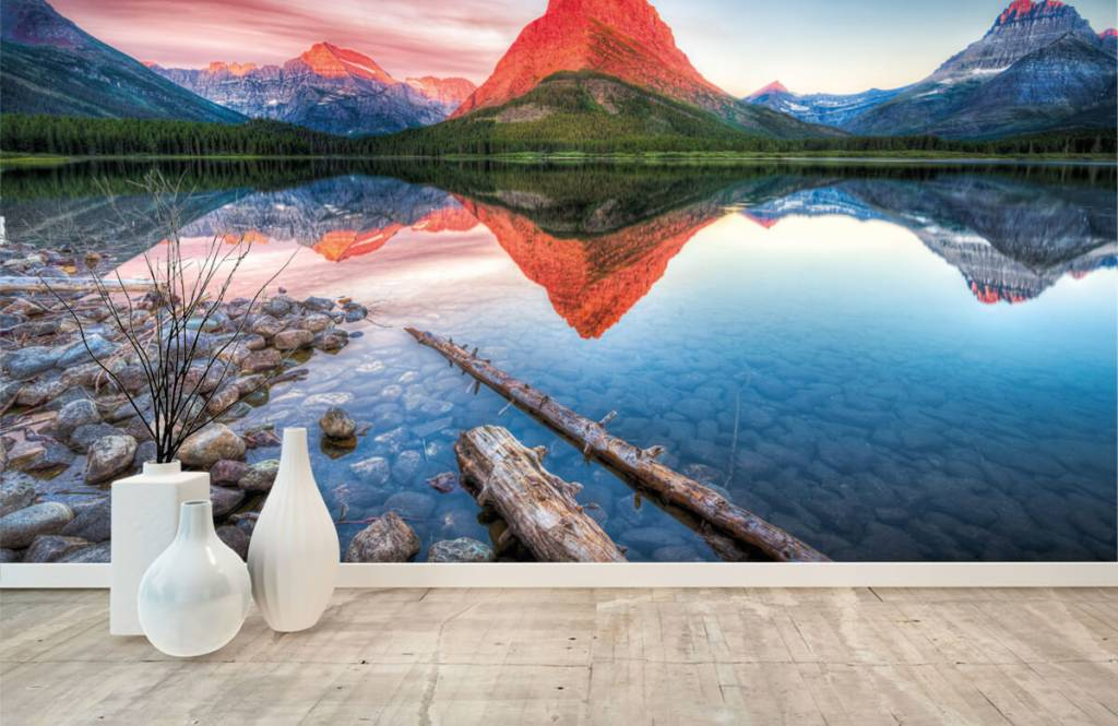 Lakes and Waters - Red mountain top - Hallway 8