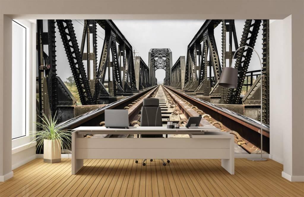 Elements - Metal railway bridge - Garage 4