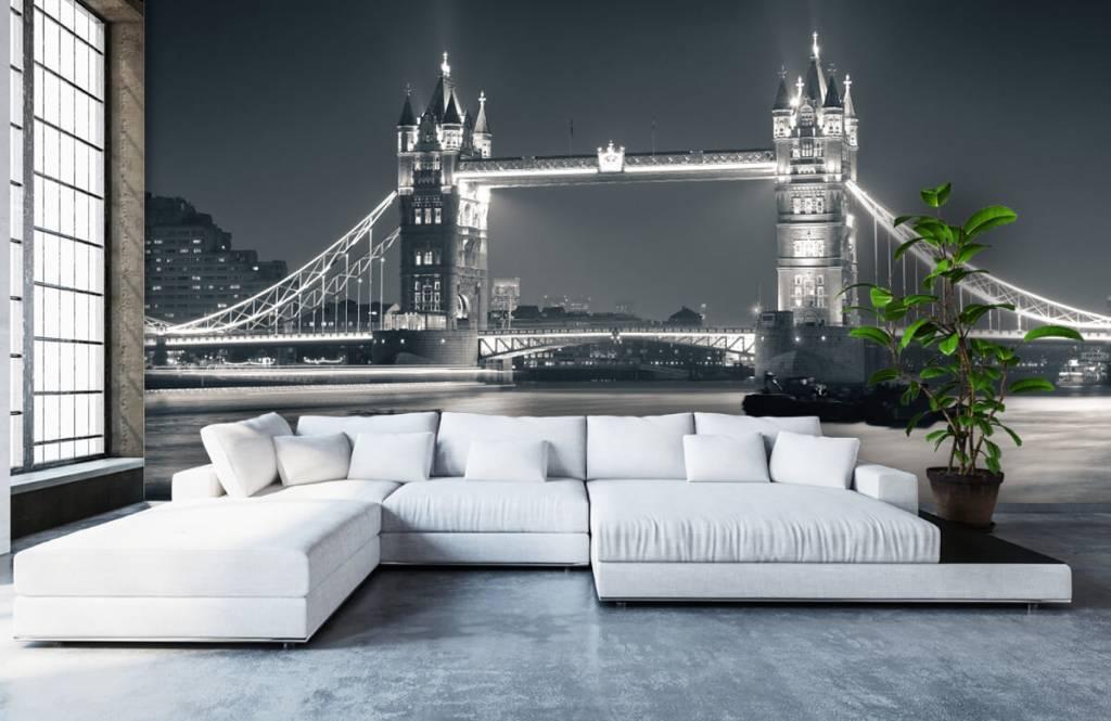 Black and white wallpaper - Tower Bridge - Teenage room 1