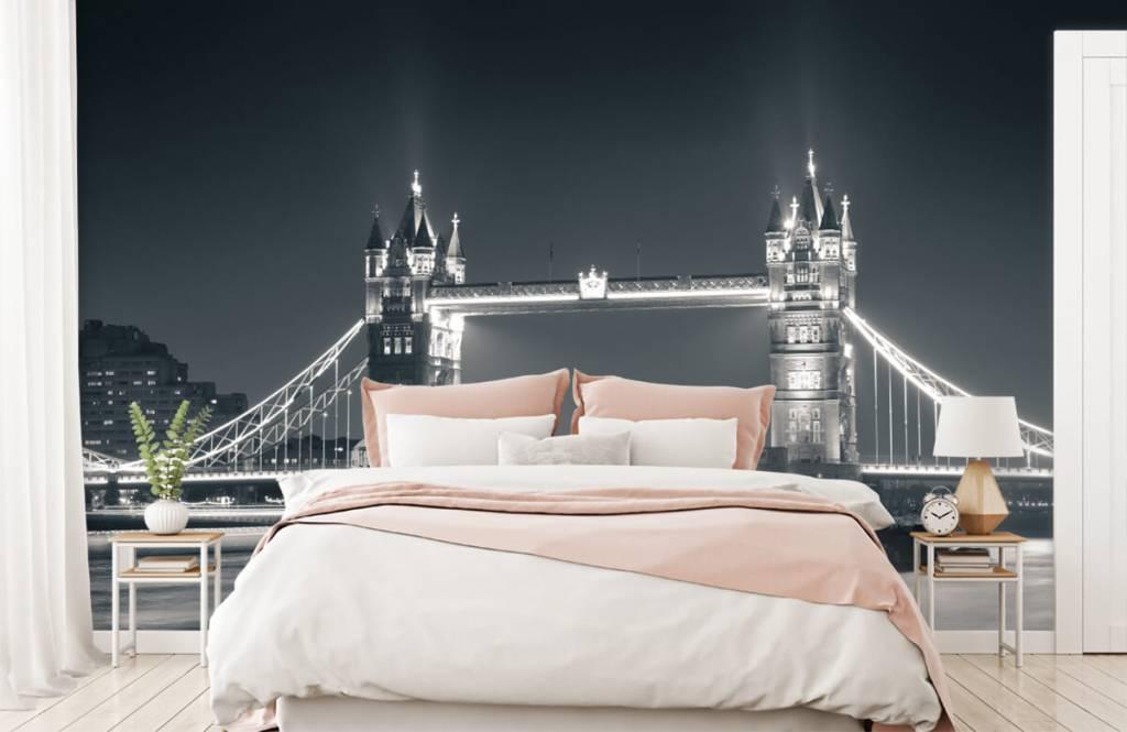 Black and white wallpaper - Tower Bridge - Teenage room 2