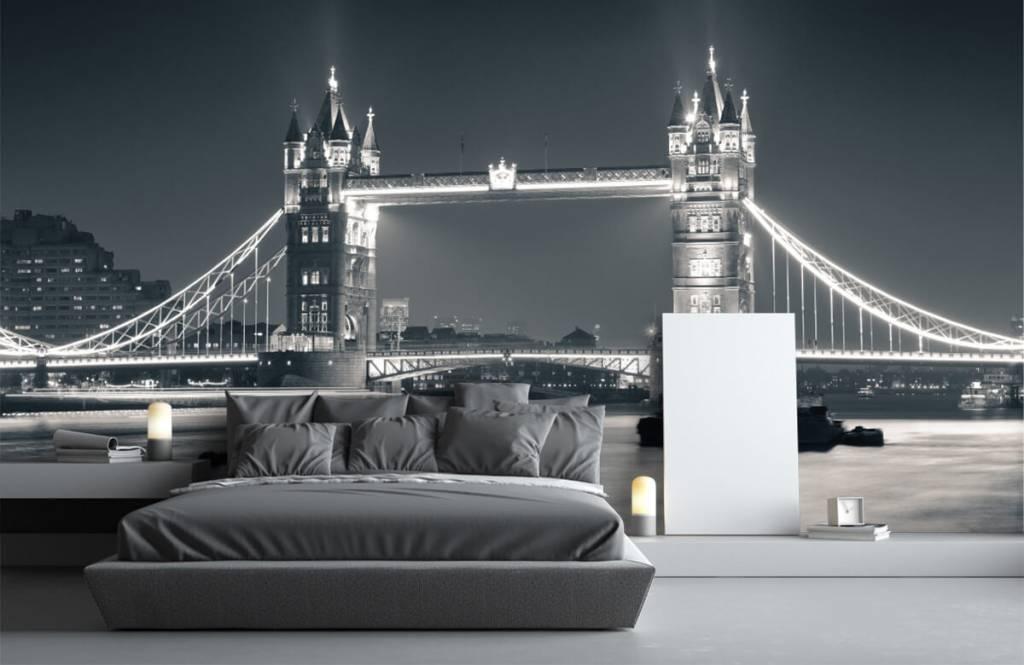Black and white wallpaper - Tower Bridge - Teenage room 3