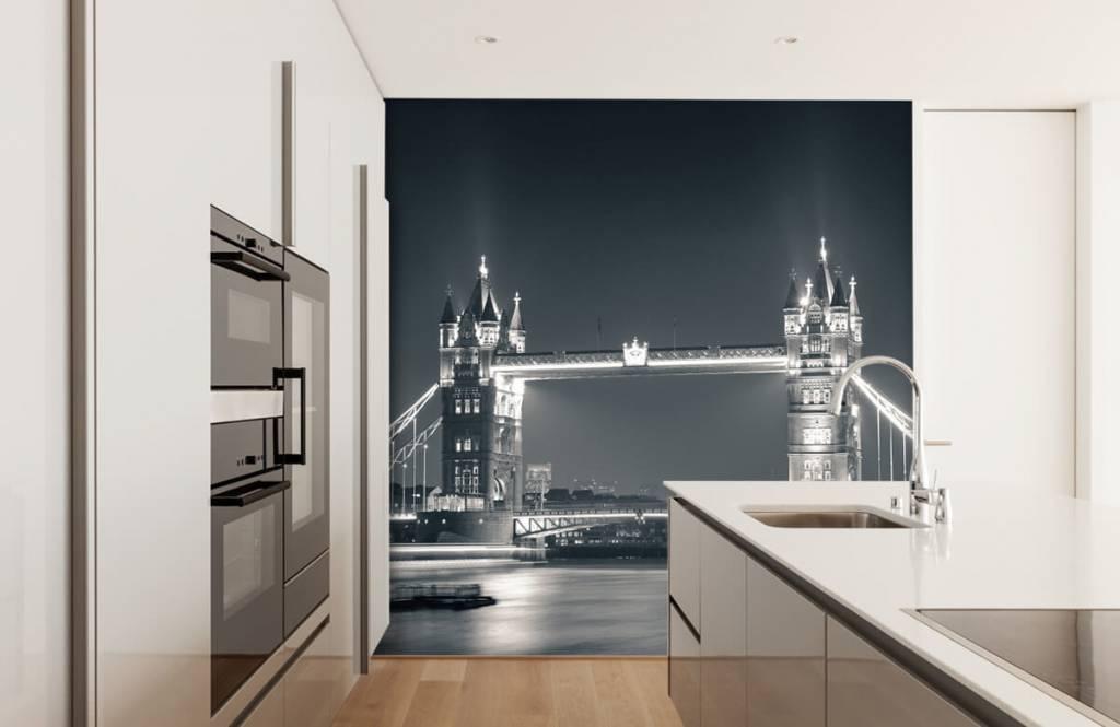 Black and white wallpaper - Tower Bridge - Teenage room 4