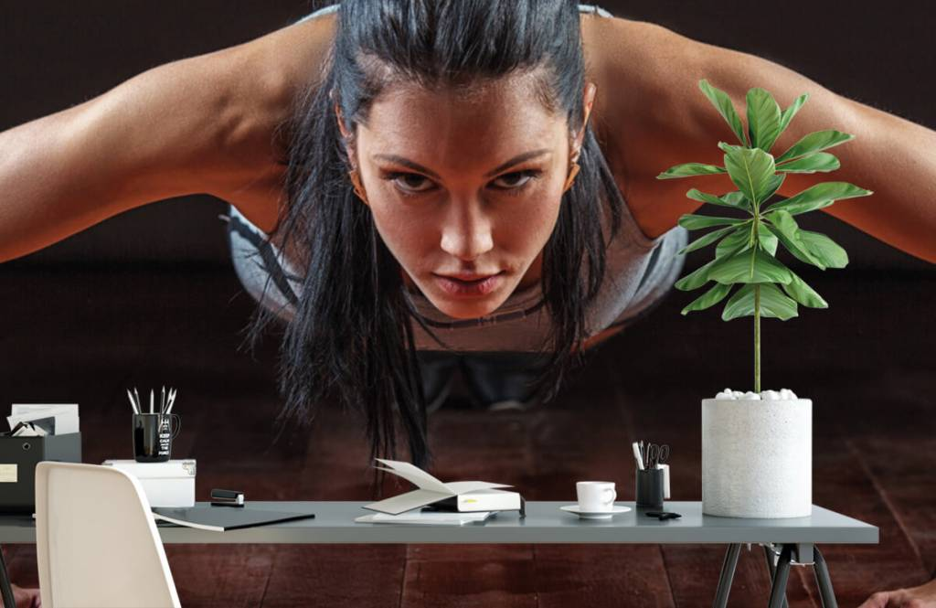 Fitness - Woman doing push-ups - Hobby room 2