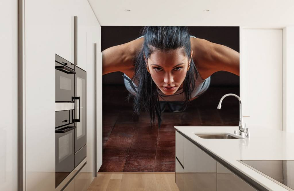 Fitness - Woman doing push-ups - Hobby room 5