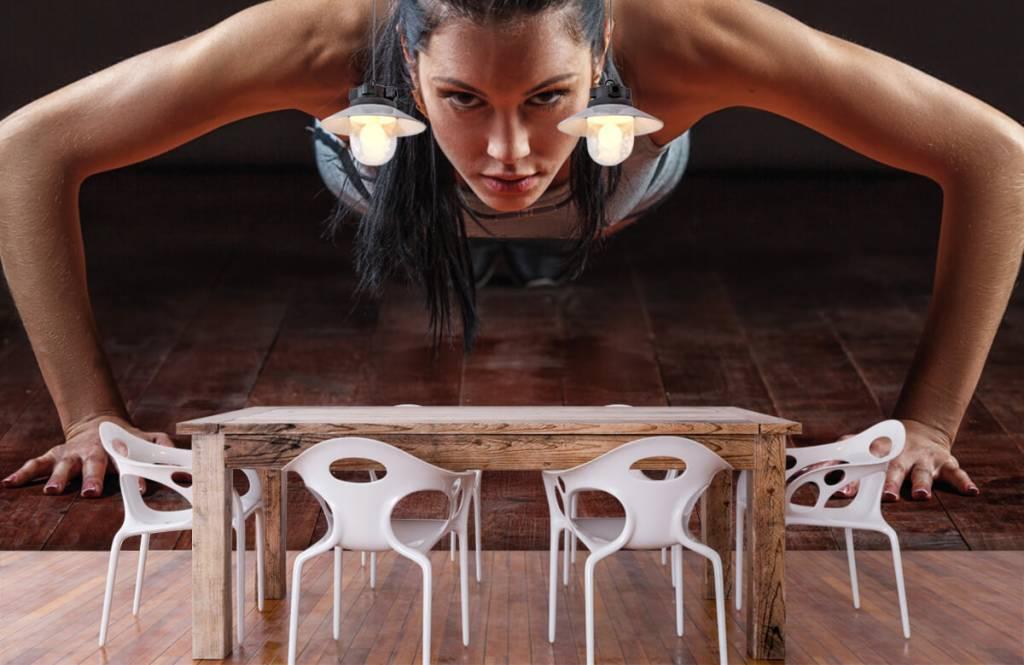 Fitness - Woman doing push-ups - Hobby room 7