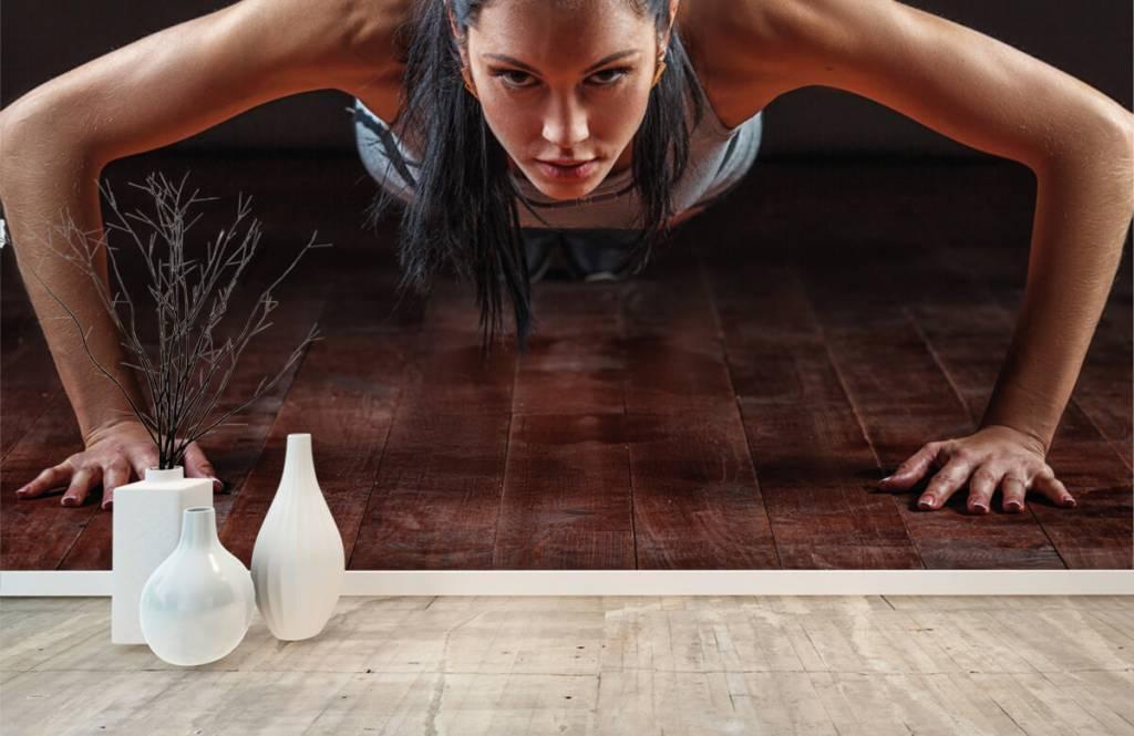 Fitness - Woman doing push-ups - Hobby room 8