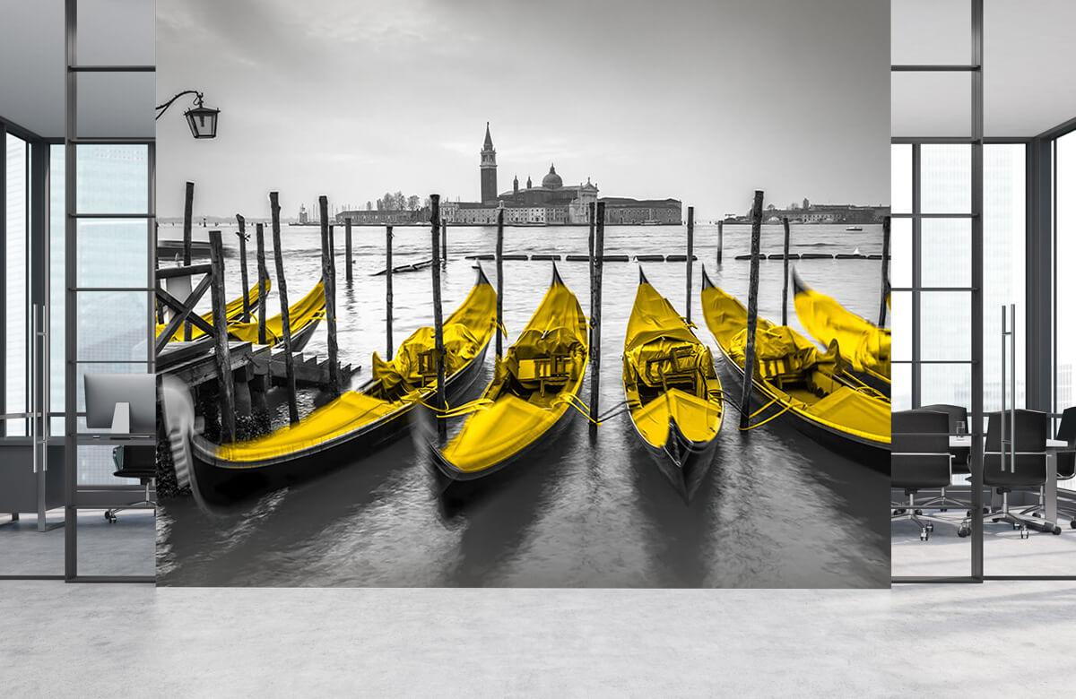 Gondolas along the canal 7