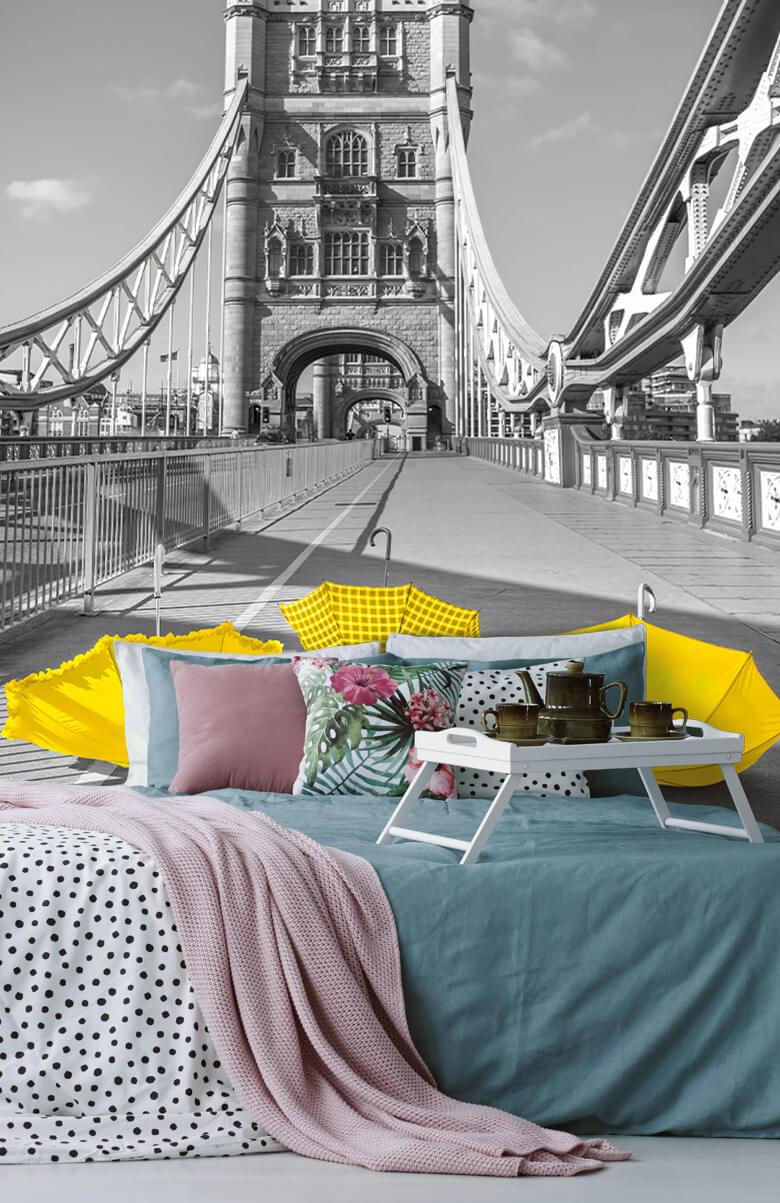 Yellow umbrellas on Tower bridge 4