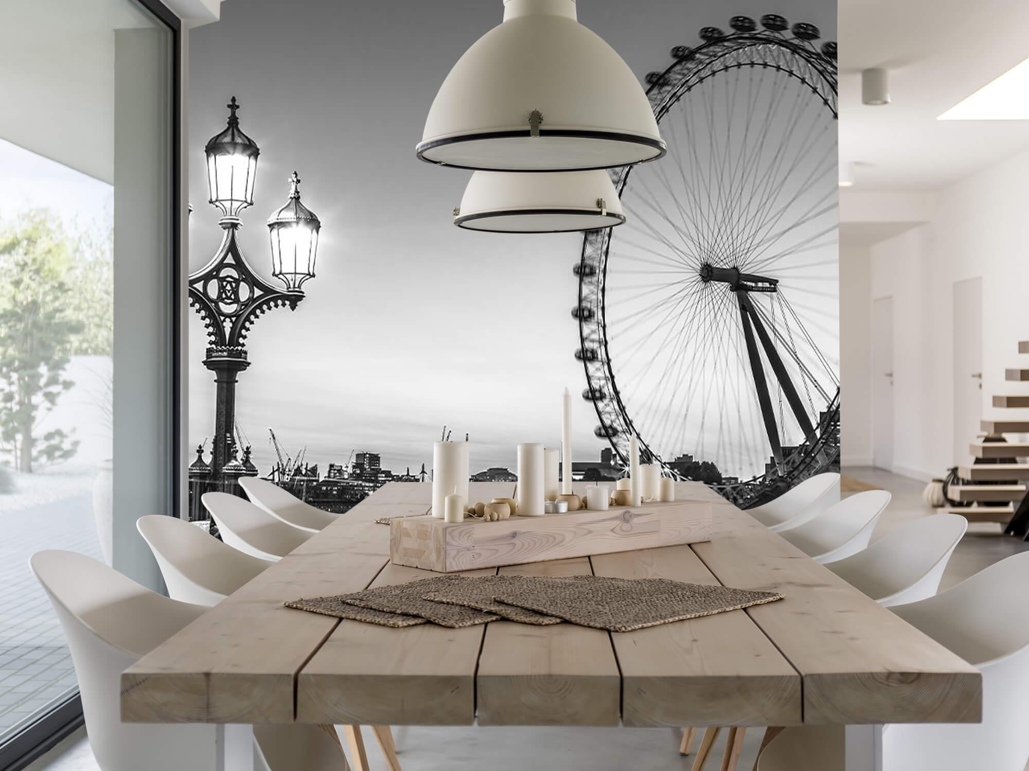 Ferris wheel black and white 4