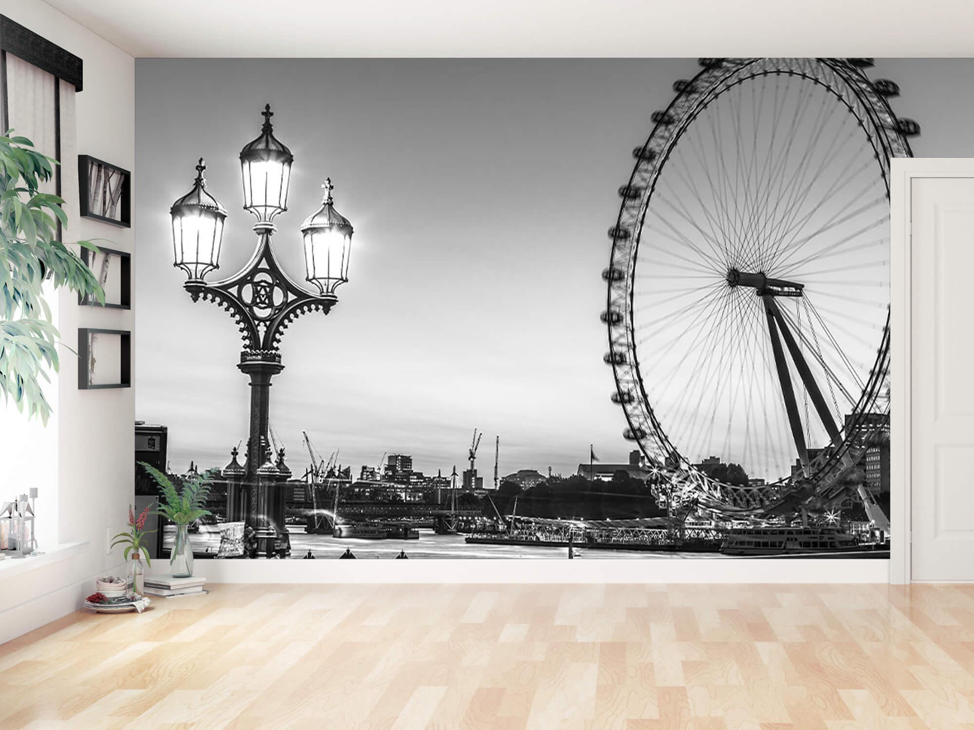Ferris wheel black and white 1