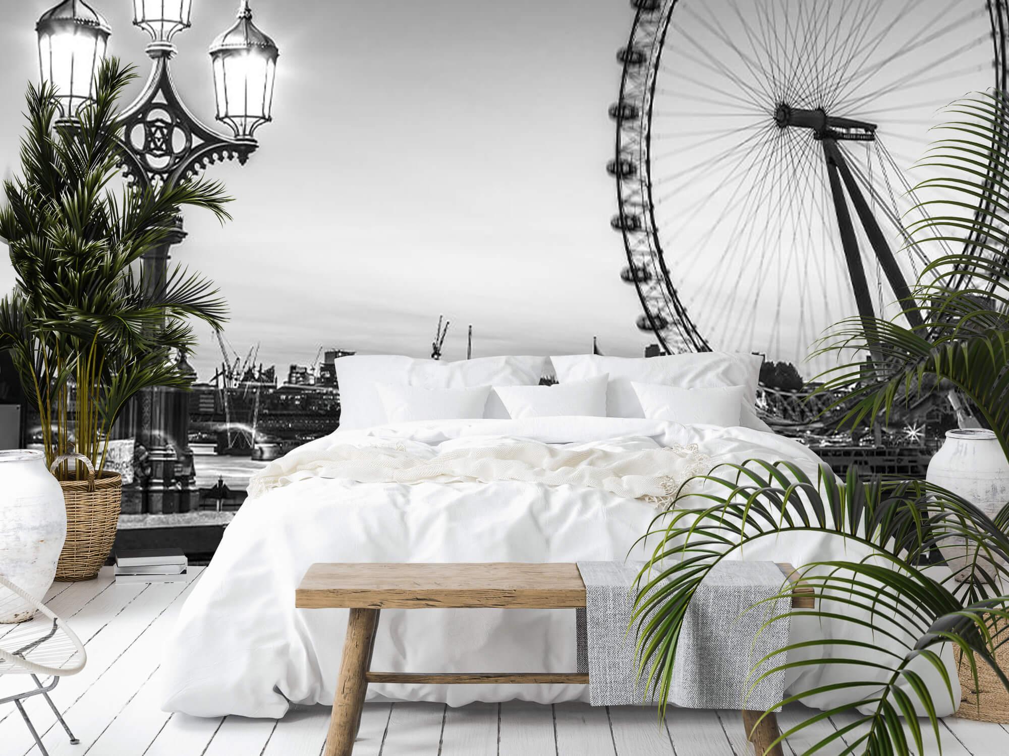 Ferris wheel black and white 3