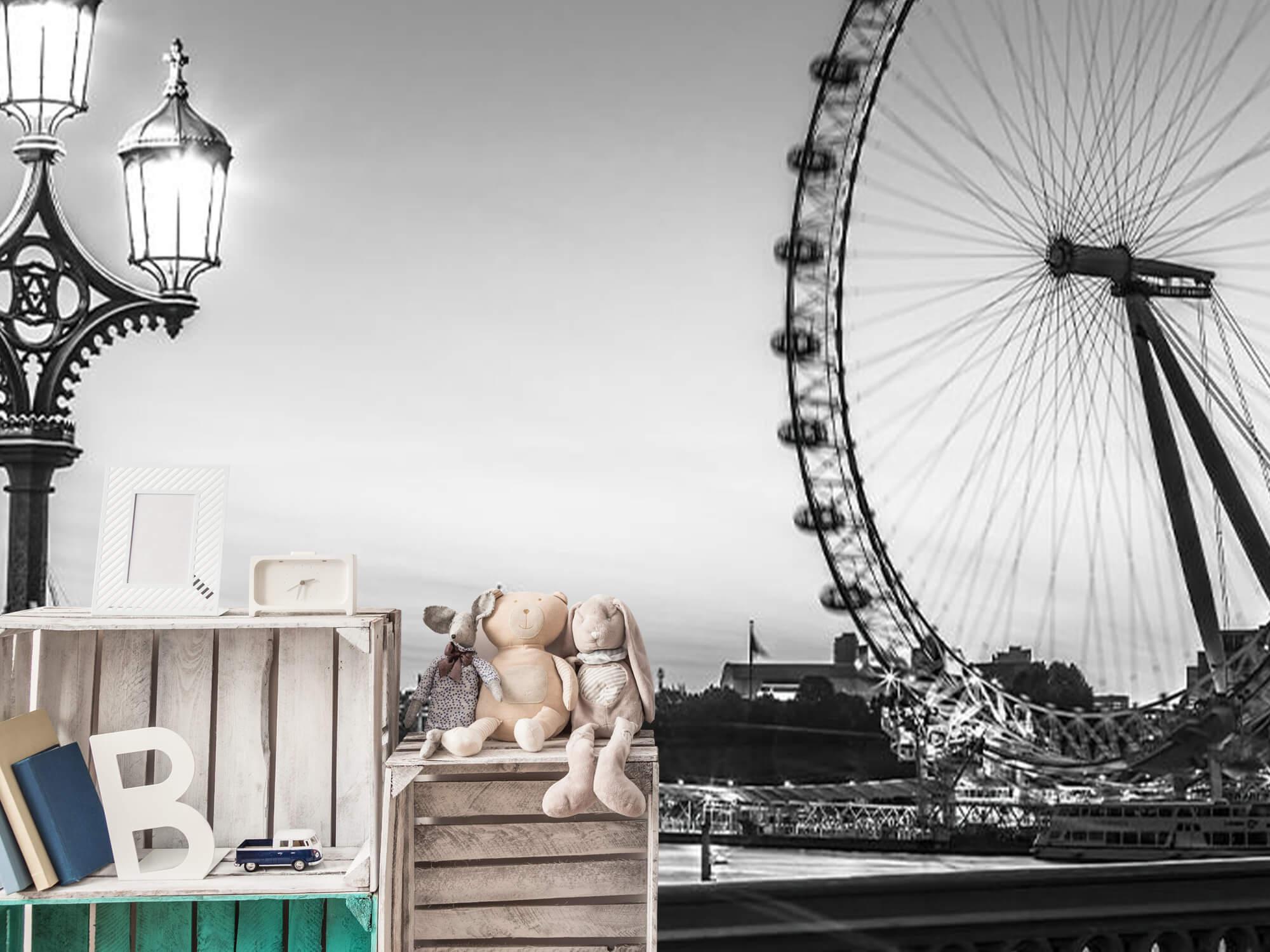 Ferris wheel black and white 15
