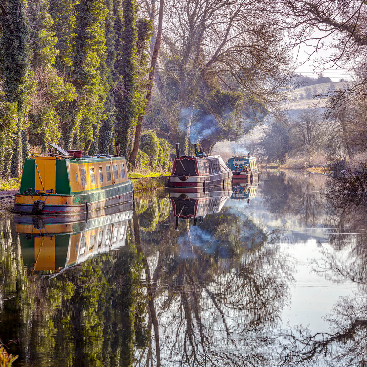 Canal in Kintbury 14