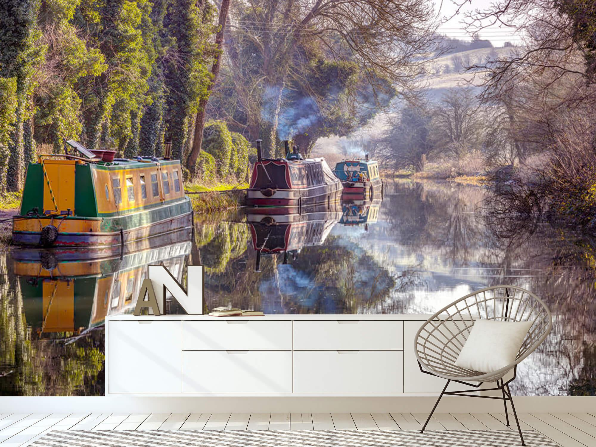 Canal in Kintbury 13